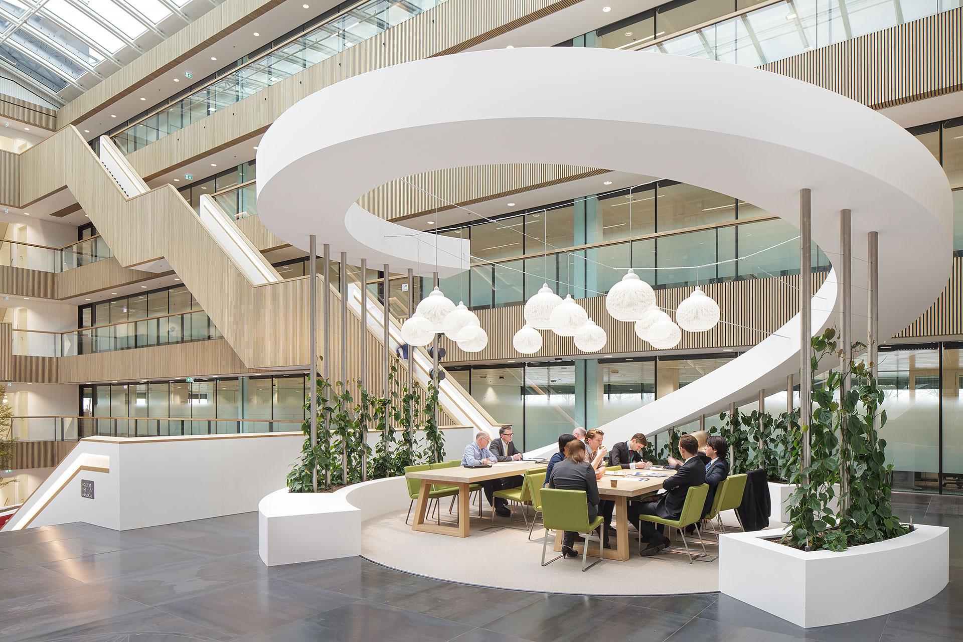 Stijnstijl-Architectuurfoto-atrium-kantoor-Fluor-12