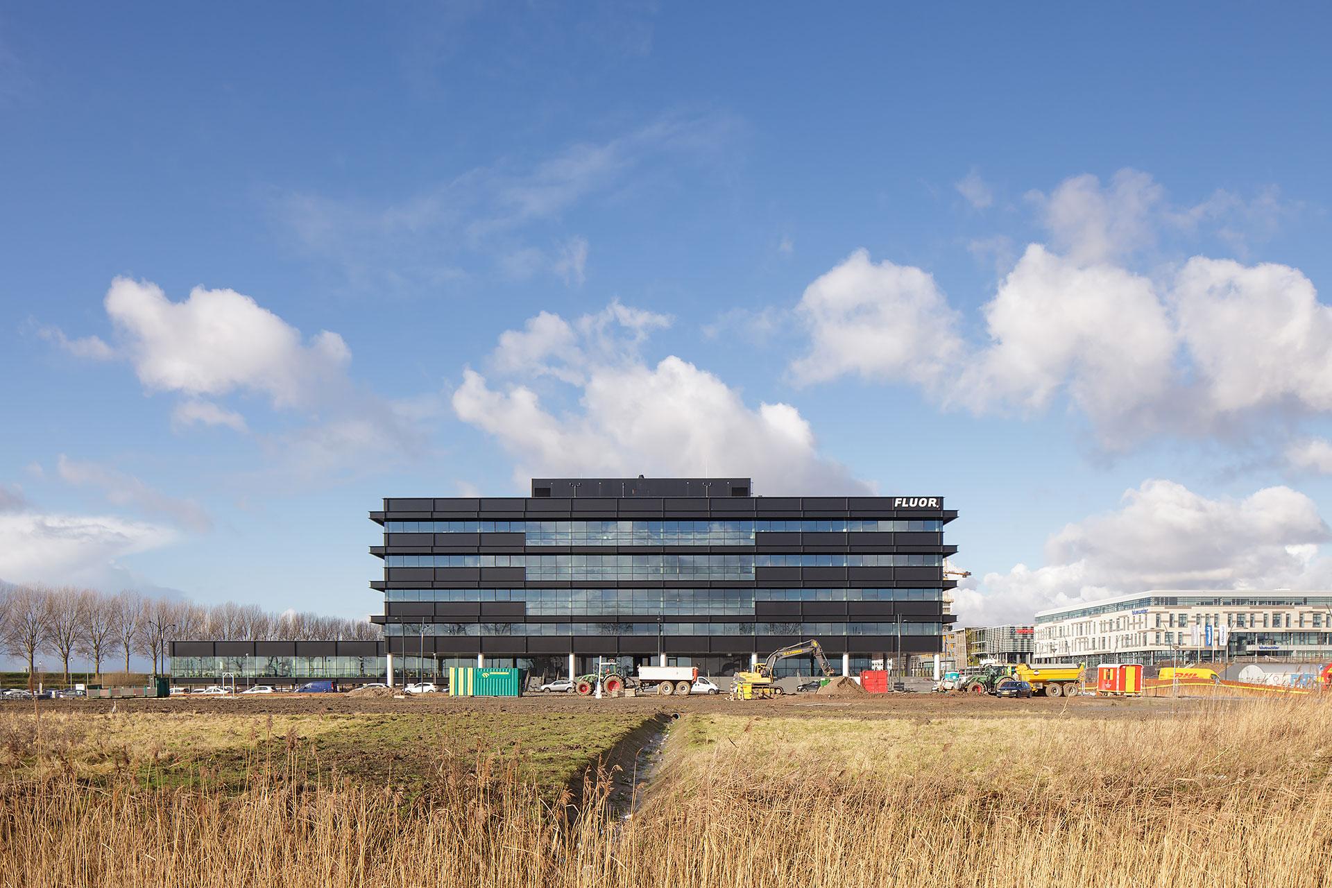 Stijnstijl-Architectuurfoto-atrium-kantoor-Fluor-15
