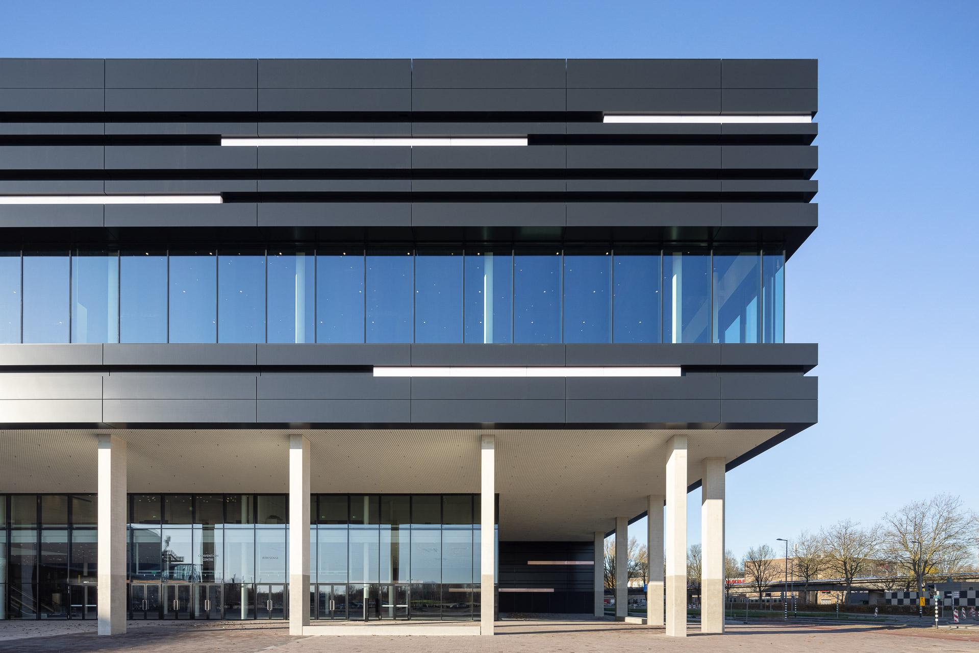 SP2020-Rotterdam-Ahoy-Convention-Centre-Exterieur-2-Architectuur-fotografie
