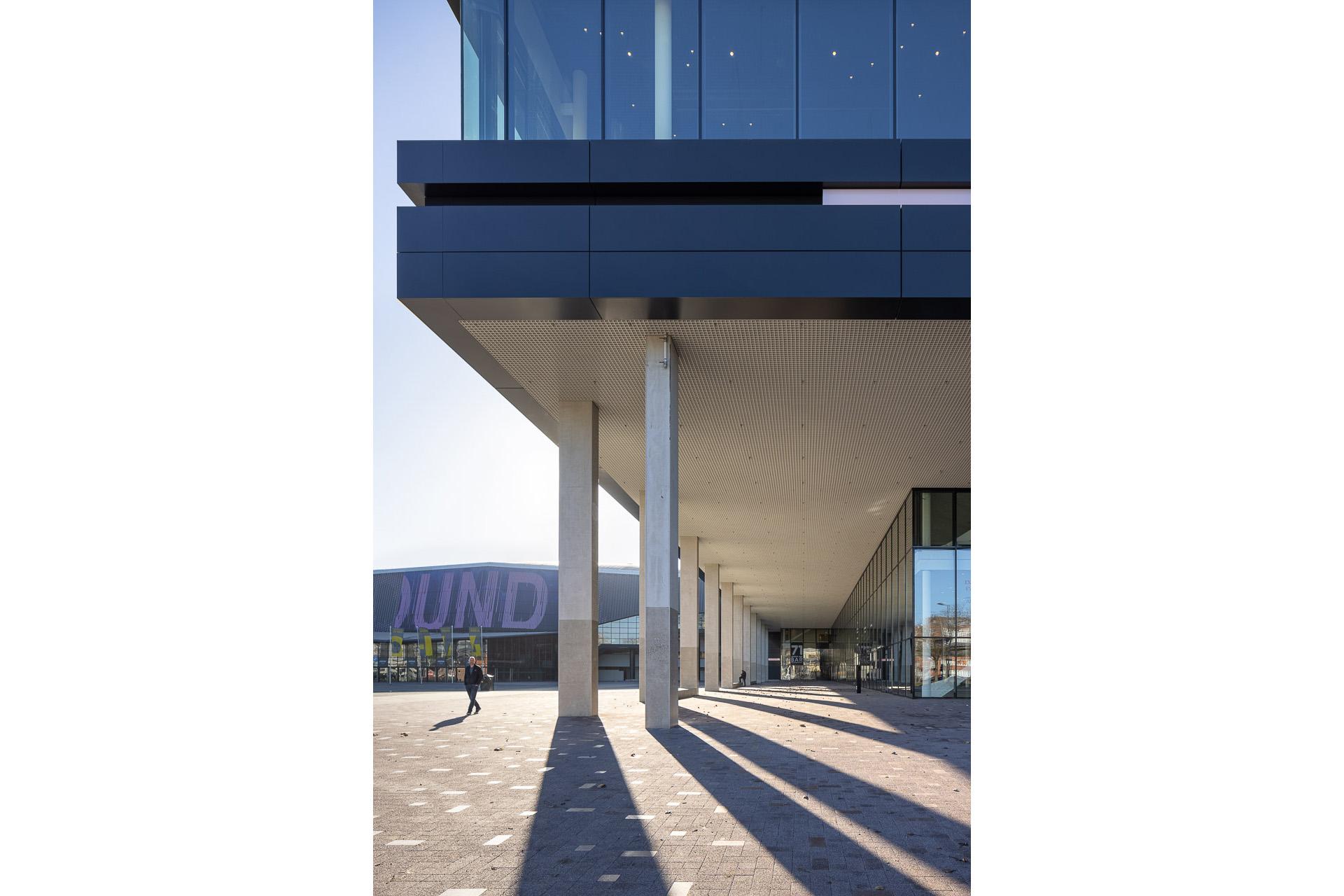 SP2020-Rotterdam-Ahoy-Convention-Centre-Exterieur-3-Architectuur-fotografie