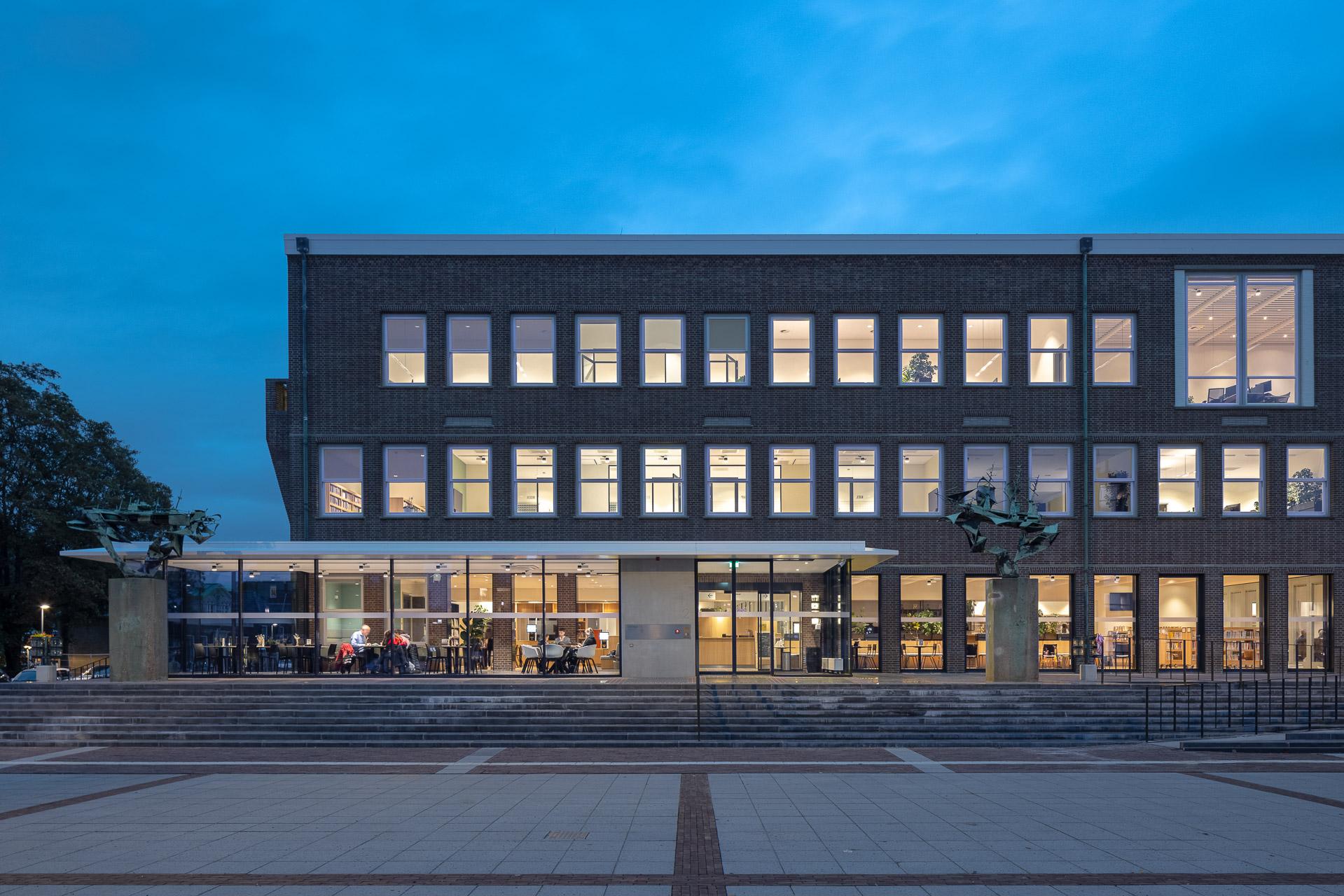 SP2020-Gemeentehuis-Alblasserdam-DP6-Architectuurfoto-interieurfoto-1